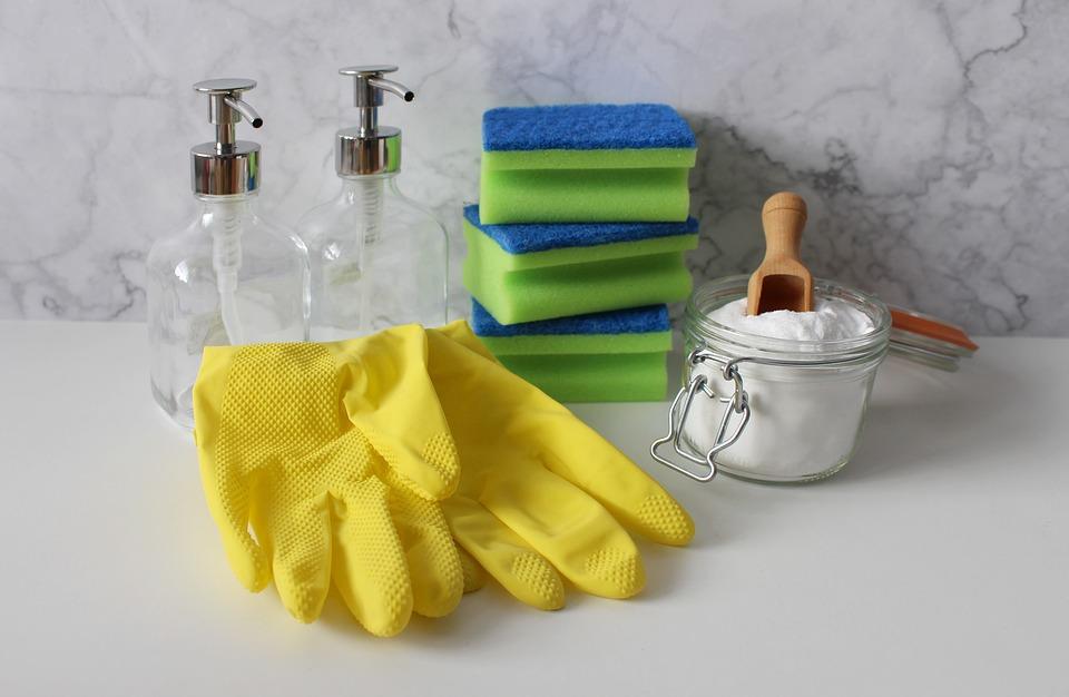 rengøringshandsker og rengøringsting